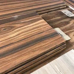 Image of wood look glaze on bullnose edge of wood look plank tile